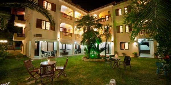 Kassandrinos Apartments
